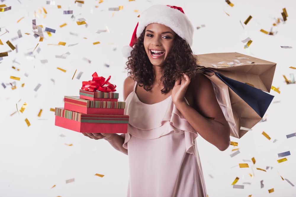 Christmas: Gifts, colors and carols